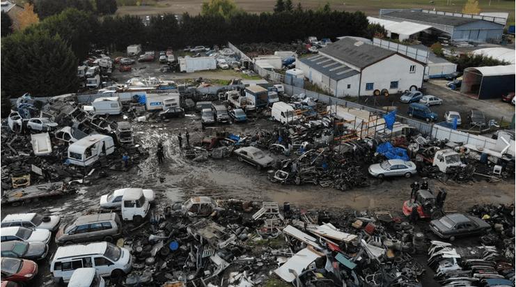 C'est dans une casse automobile, située à Mer (Loir-et-Cher) que les migrants étaient employés illégalement - Gendarmerie du Loir-et-Cher.