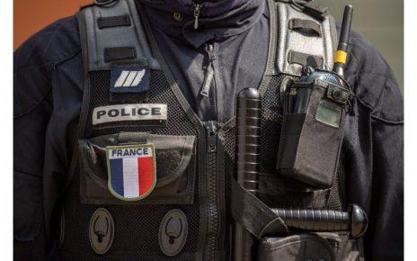 Un policier entre la vie et la mort après une agression